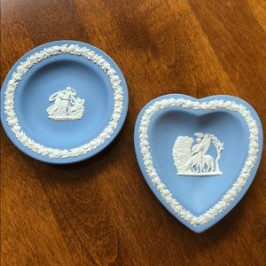 Blue WEDGEWOOD small accent pieces
